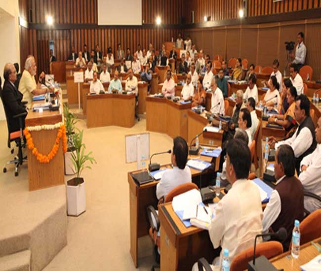 Raise Pending Issues with Center says CM to Gujarat's MPs