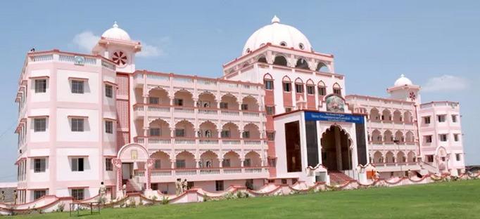 CM inaugurates Swaminarayan Gurukul School