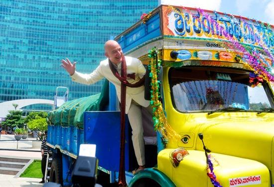 Amazon CEO Jeff Bezos meet PM Narendra Modi
